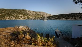 Messa Vathy, kotviště, kde zatím kotví jedna jachta
