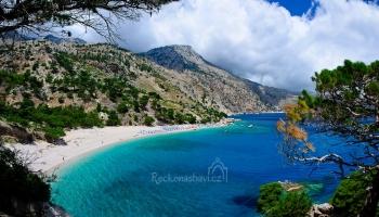 panorama pláže Apella