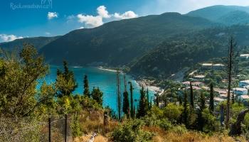 pohled na Agios Nikitas cestou na Milos