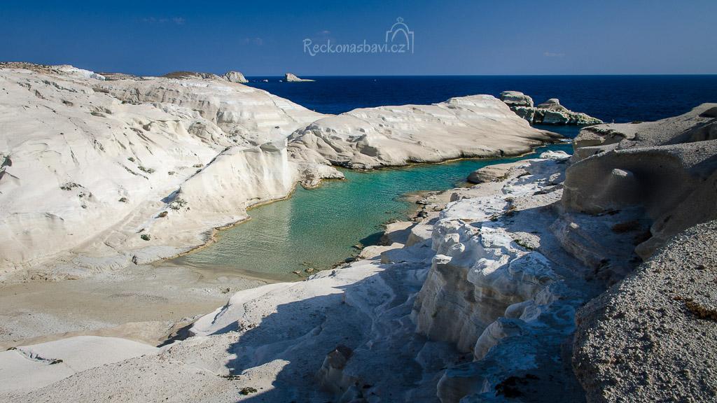 pláž Sarakiniko - důkaz, že na Měsíci je voda :)