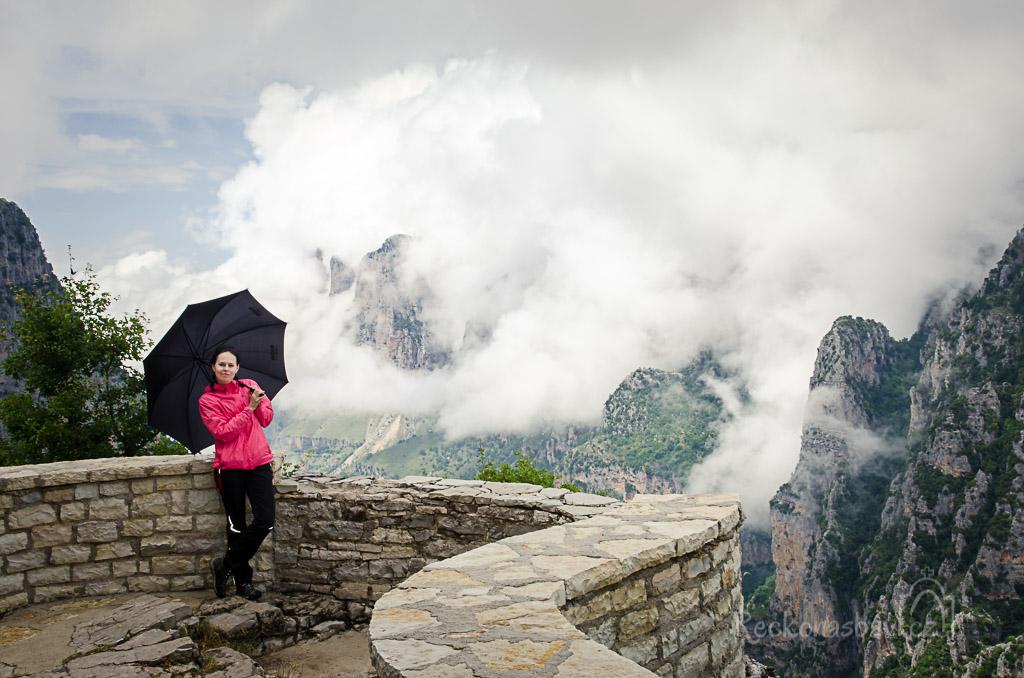deštník byl na dvě věci... na prd a na fotku :)