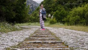 """pokračujeme po kamenem dlážděné """"dálnici""""..."""