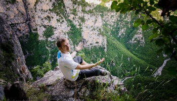 Vyhlídka do Vikosu, kterou by neopovrhnul kdejaký horolezec!