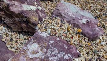 Na pláži Kastanas jsme našli vysypaný pirátský poklad kapitána Flinta :))) ty barvy byly prostě neuvěřitelný...