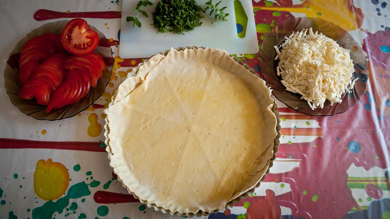 Nachystejte si sýr a rajčata