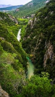 úchvatný pohled na Acheron a k vesničce Glyki