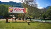 U Acherontu můžete využít hned několik atrakcí:  jízdu vodou na koních, rafting, kanoe, lukostřelbu atd.