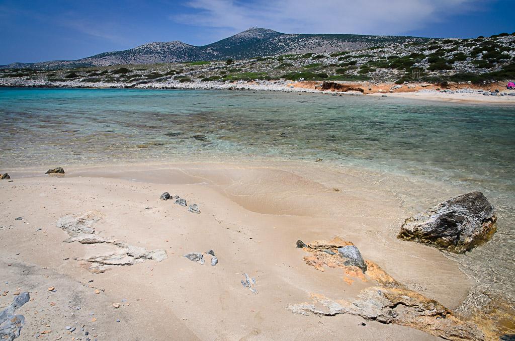 ... druhá pláž na ostrůvku je snad ještě lepší než ta první. Nechám si ji pro sebe a budu odtud na Peťulu mávat :D ...