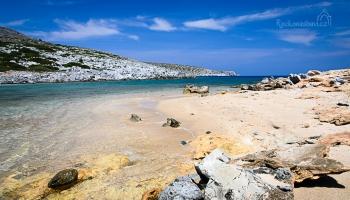 o druhé pláži na ostrůvku s kaplí Aghios Fokas jsme vůbec nevěděli!