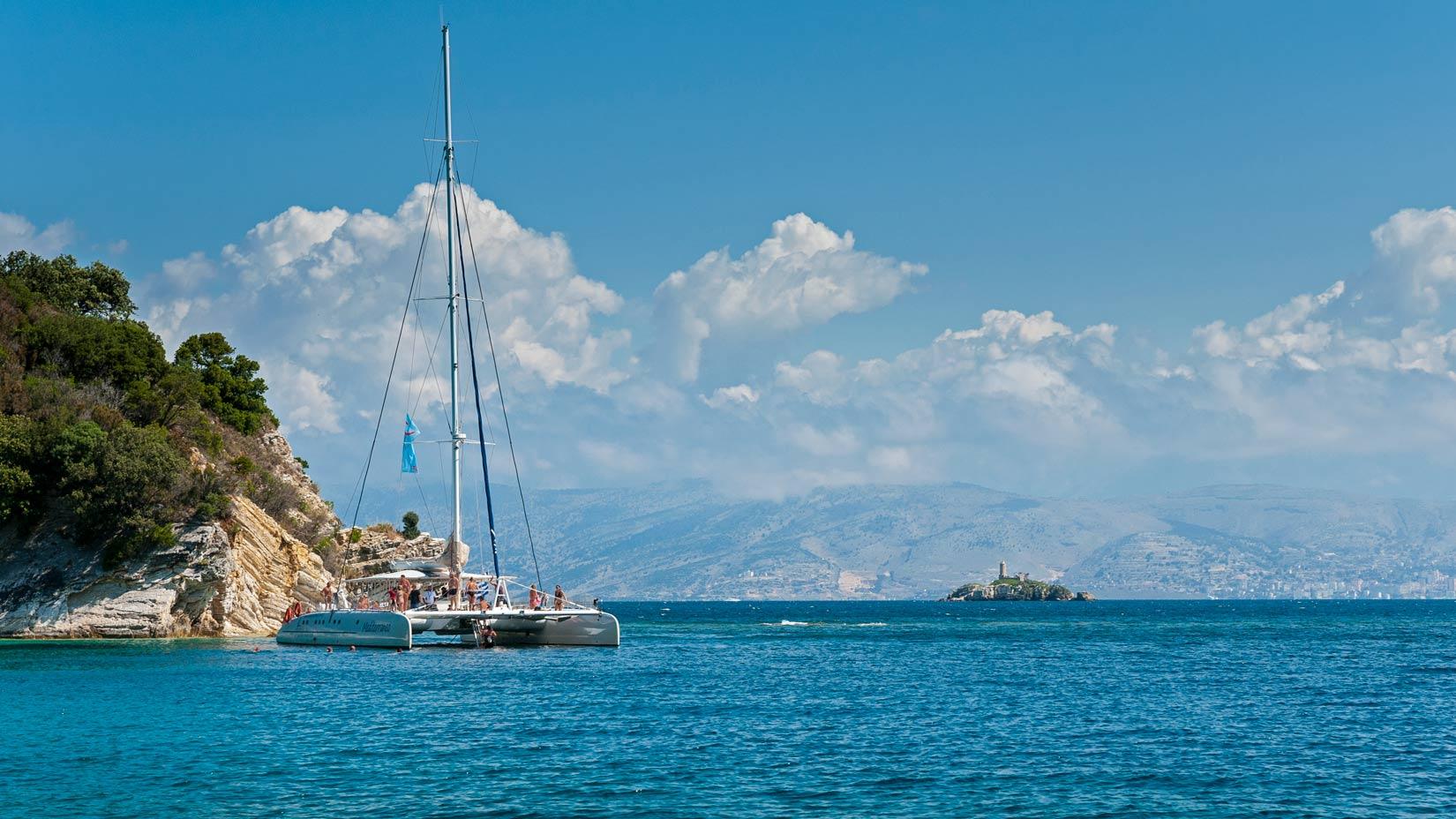 Skvostné výhledy na Albánii z pláže Akoli