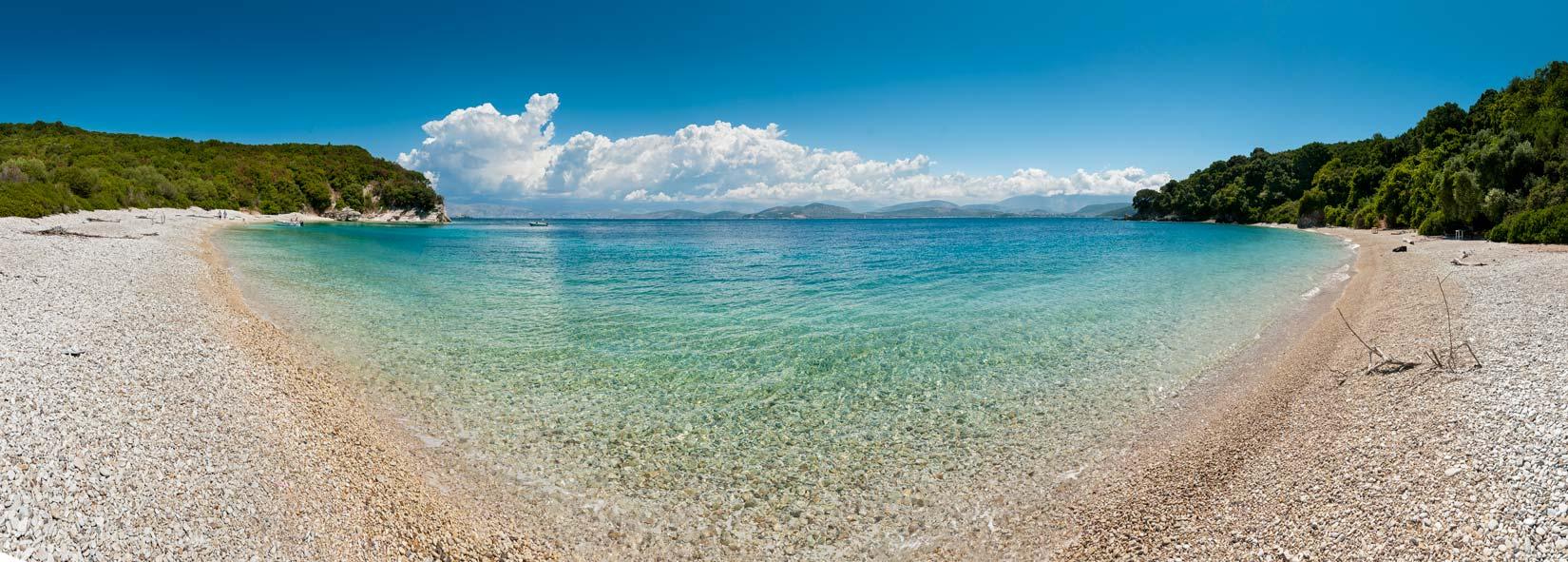 Pláž Akoli je tu jen a jen pro vás...