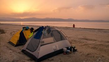 východ slunce na pláži u vesnice Koronisia!