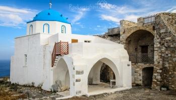 jeden ze dvou kostelíků uvnitř Kastra - Aghios Georgios