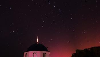 před půlnocí v Kastru pozoruji hvězdy...