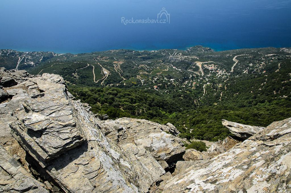 výhled na jižní pobřeží k obci Chryssostomos