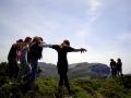 These Mountains Are For Dancing - improvizované představení tance a svobodného vyjadřování od kamaráddů z Mountaineering Club of Ikaria.