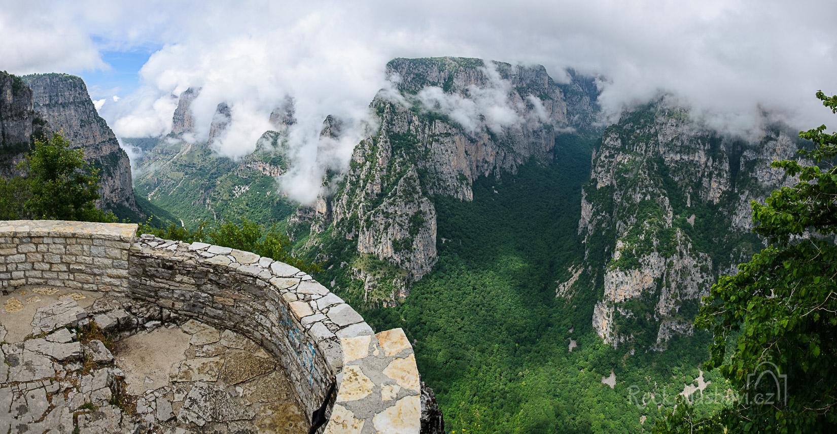 vyhlídka Oxia - kaňon Vikos (Zagori)