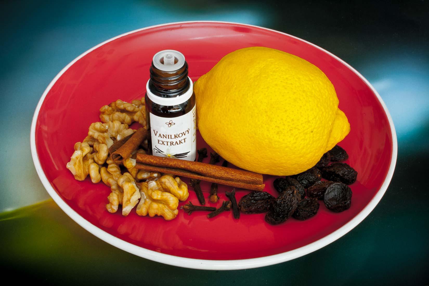 Chalva je na chutě i vůně bohatá - skořice, citrusy, hřebíček a ořechy