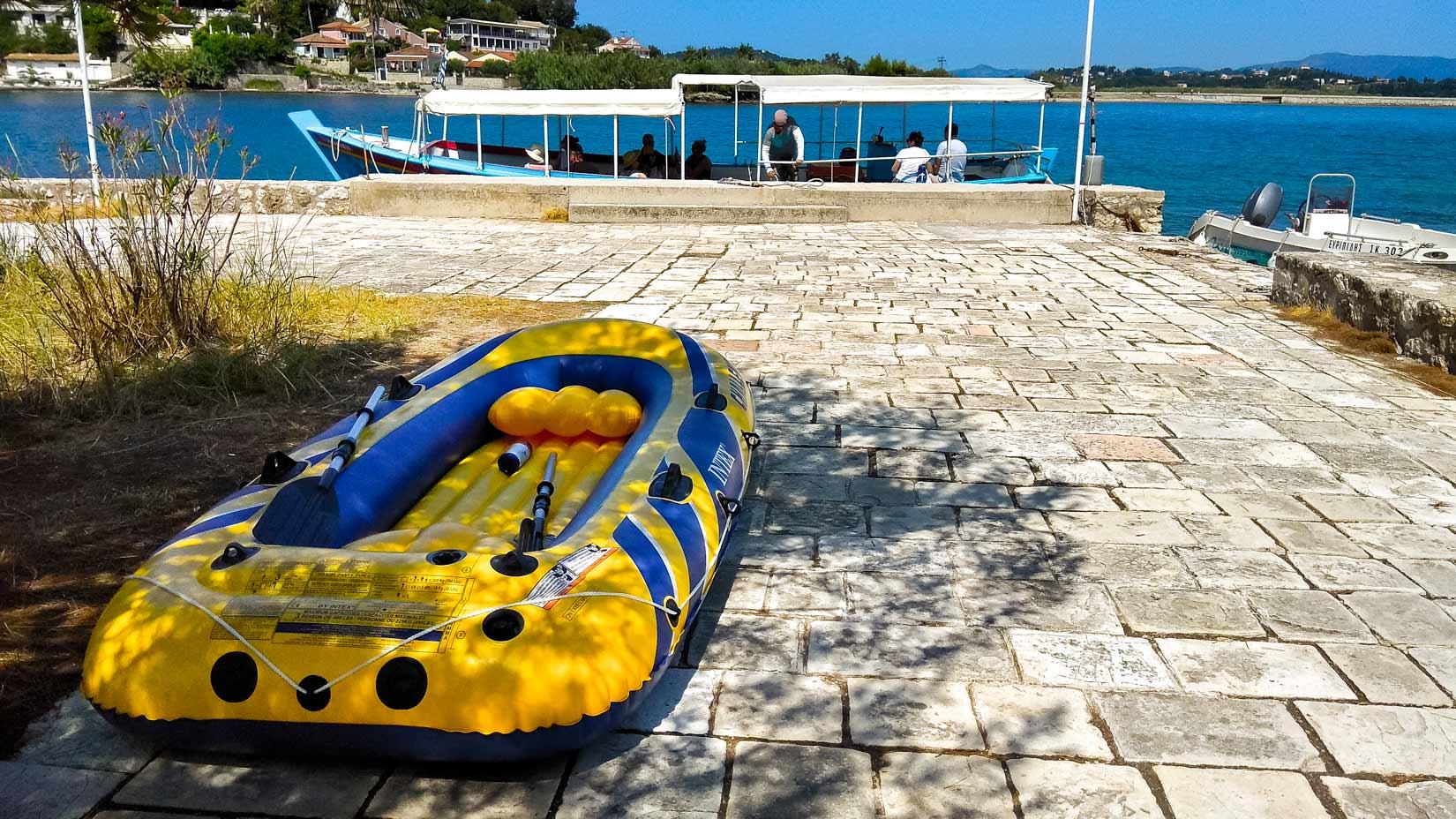 Molo na ostrůvku Pontikonisi