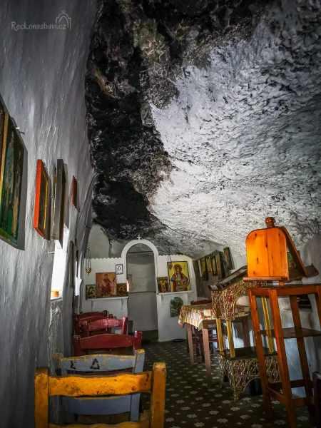 Caves_of_Didyma-15