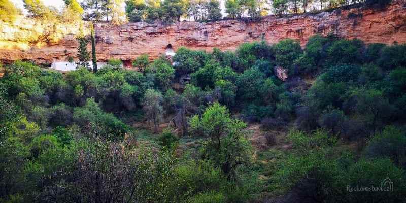 Caves_of_Didyma-30