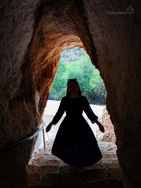 Caves_of_Didyma-40