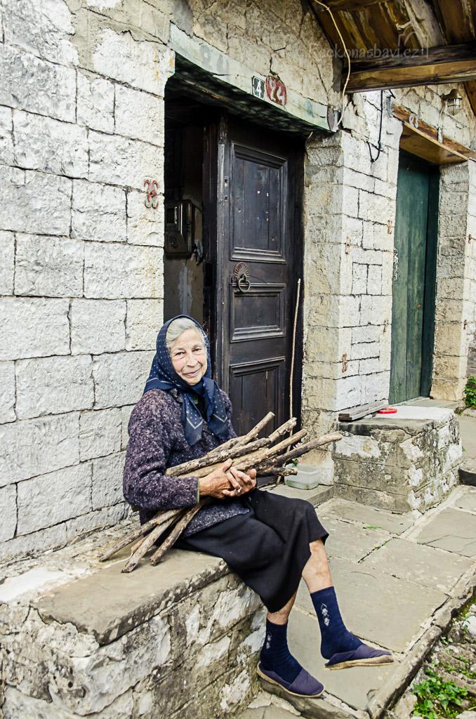 tato milá dáma si s námi strašně ráda povídala a to jsme si vzájemně rozumněli jen pár řeckých slov....