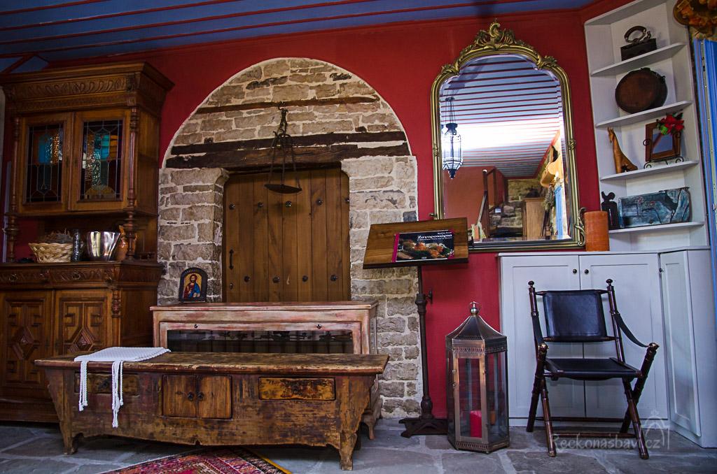 staré dřevo a kámen... jak krásné...