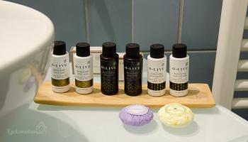 v koupelně nesmí chybět přírodní kosmetika z olivového oleje a zeleného čaje...