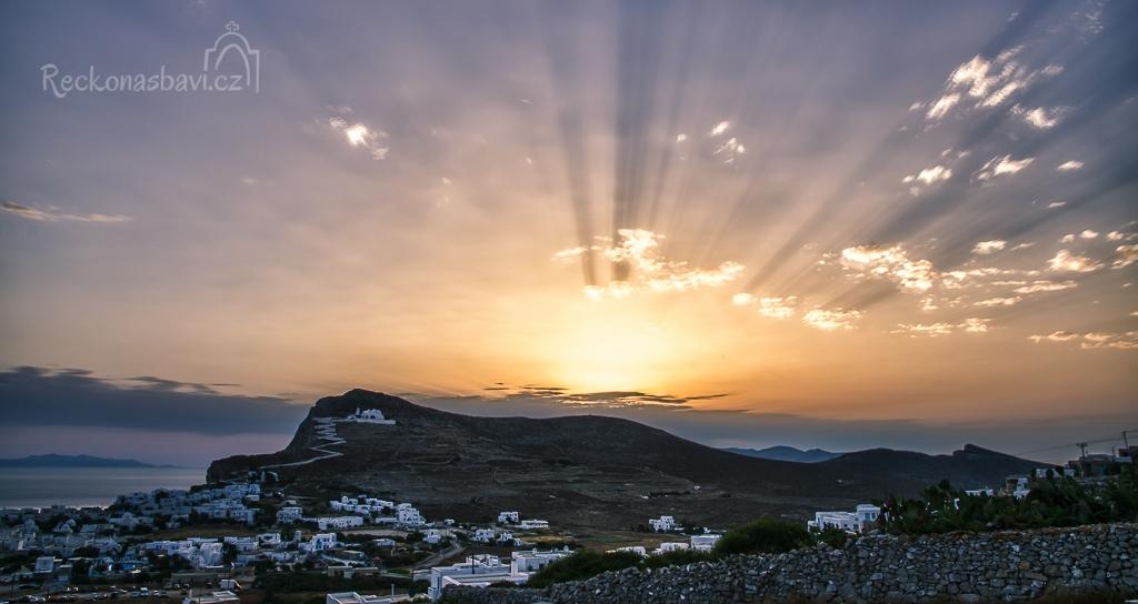 východ slunce v dramatickém podání HDR fotografie