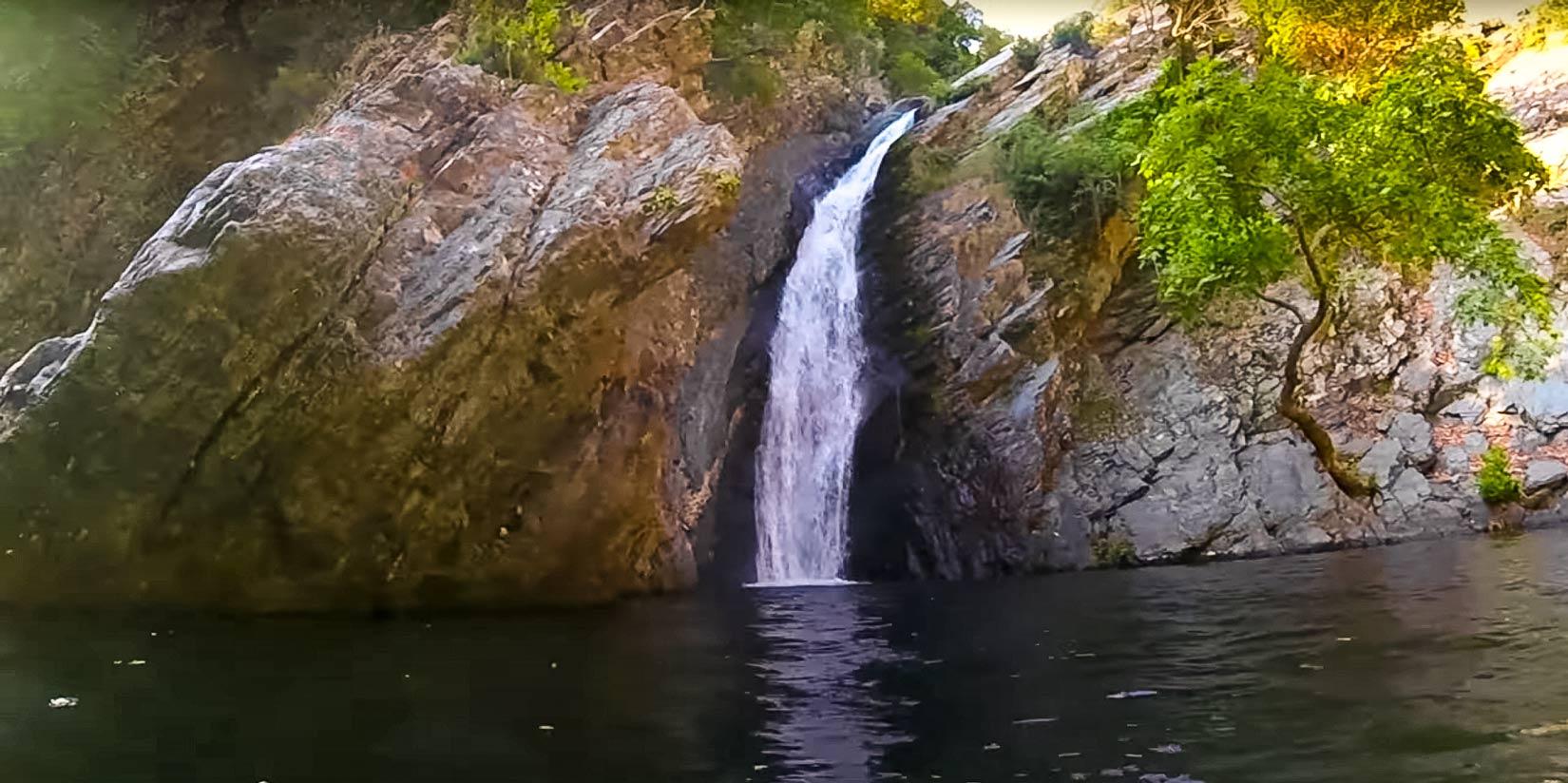 Vodopád Fonias z očí do očí