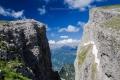 v dáli vrchol Smolikas (Σμόλικας) 2637m