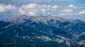 výhled k hoře Smolikas (2637m) a na jeho sousední vrchol Mosia.
