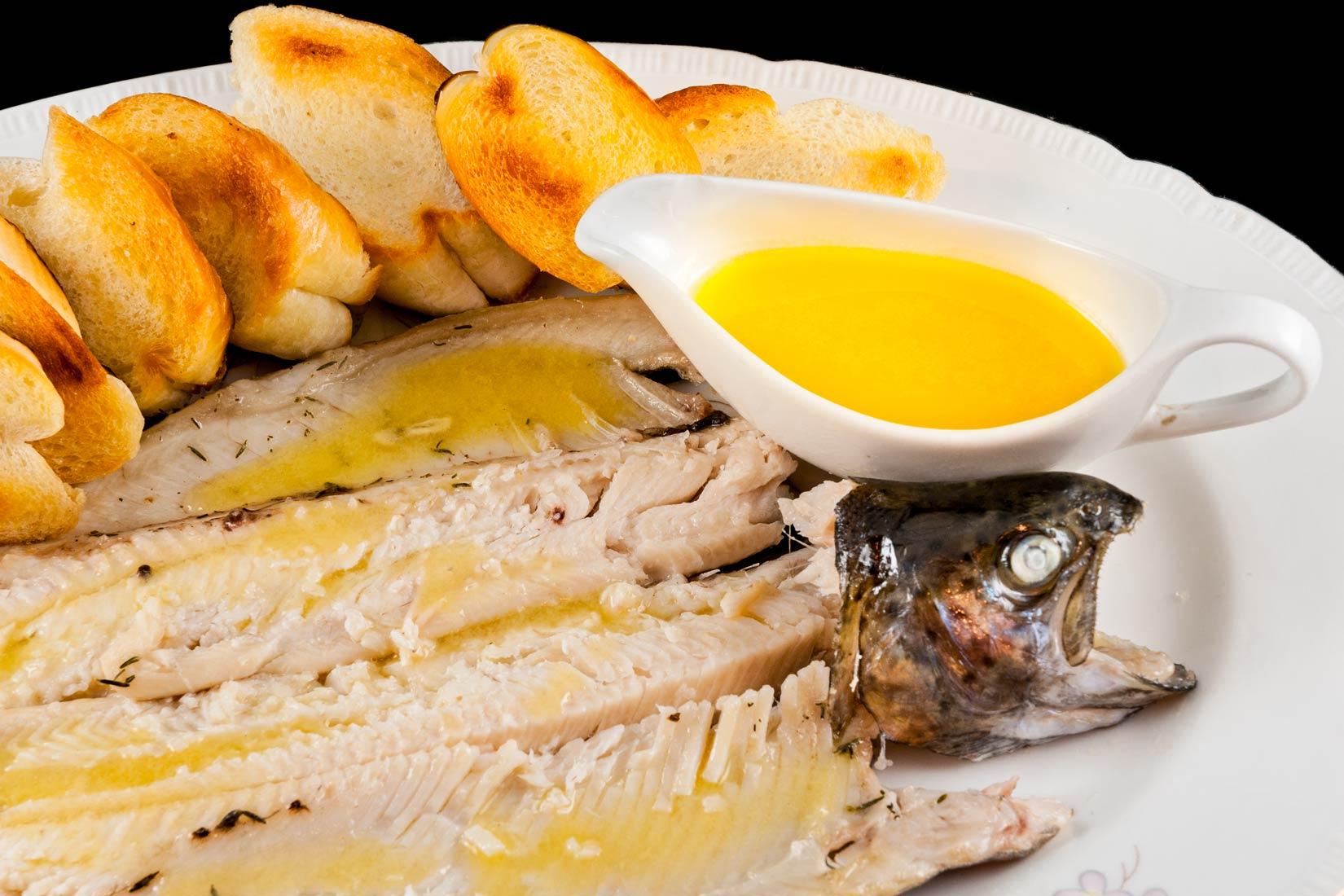 Pstruha ochutíme skvělým olejovo citrónovým dipem