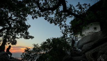 západ slunce u Theokepasti monastery