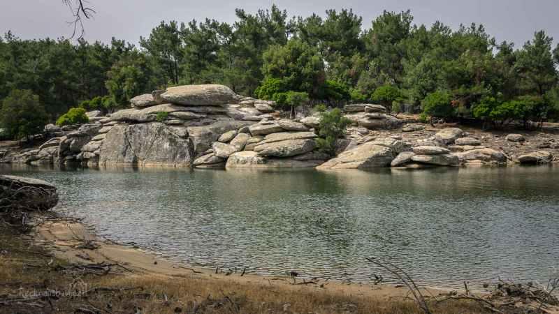 sladkovodní jezero Pezi