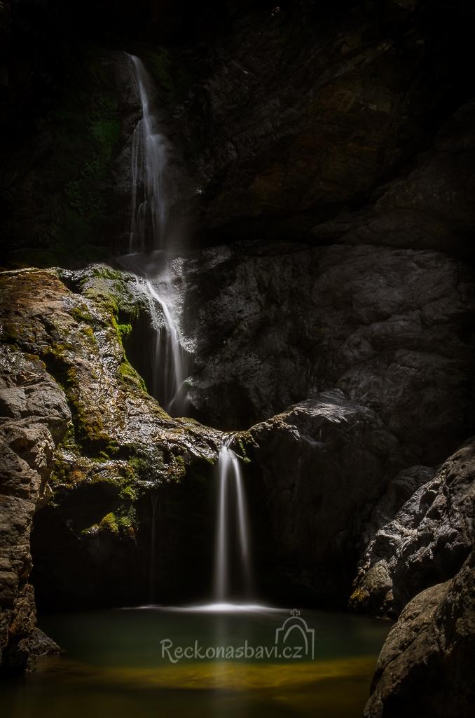kaňon Chalares s vodopády