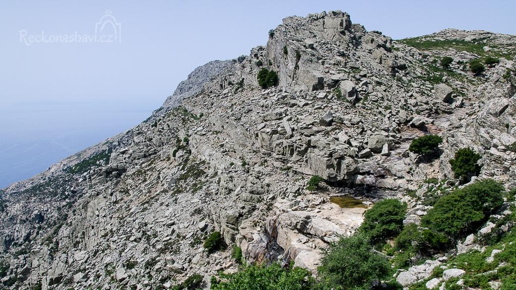 kaňon Ryakas s vodopádem a přírodním bazénem v 860 m n.m. !