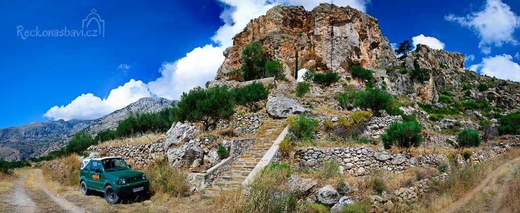 Agios Nikolaos - kostelík ve skále
