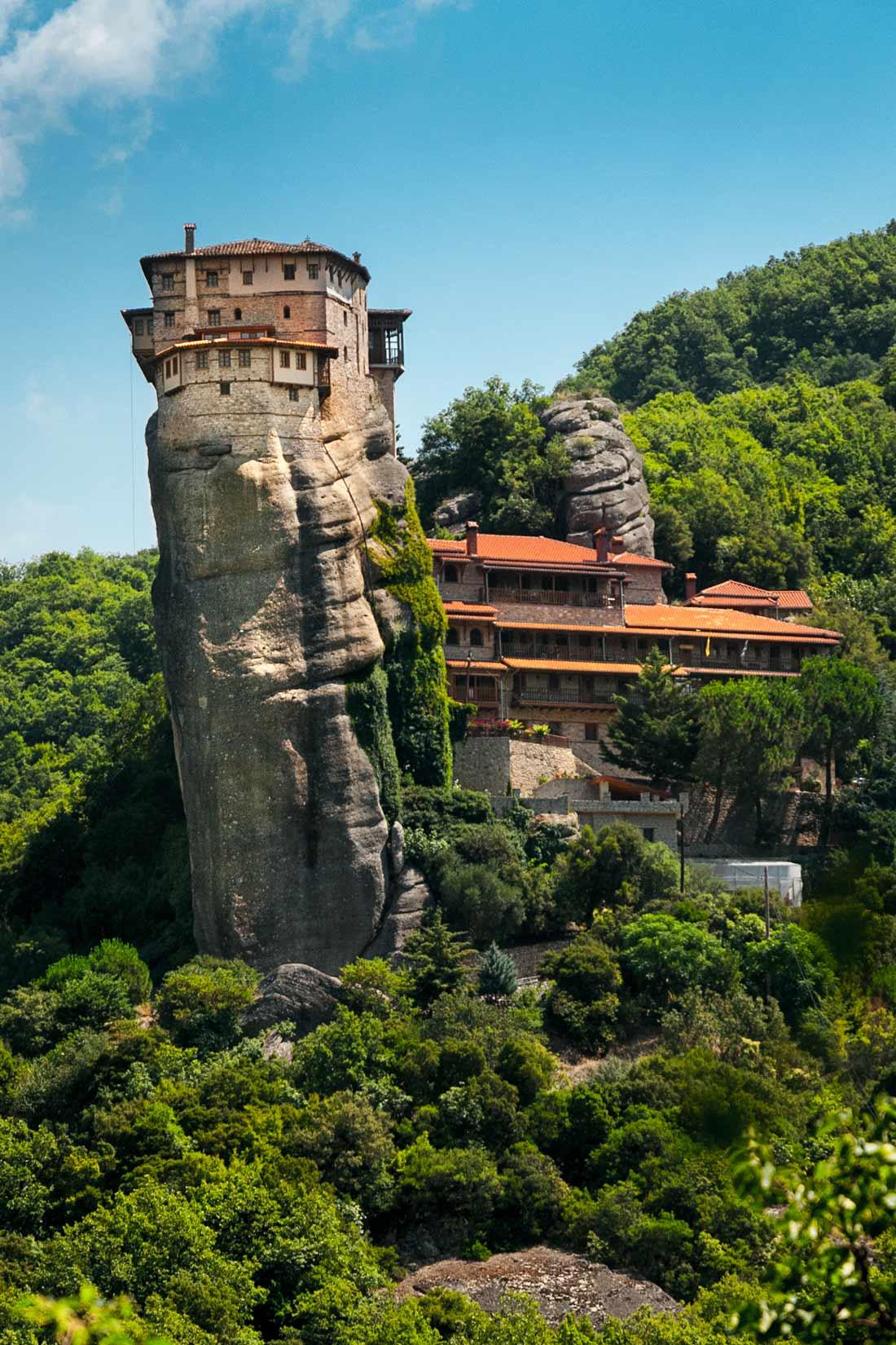Μοναστήρι της Αγίας Βαρβάρας Ρουσάνου z trochu jiného, dost nezvyklého úhlu
