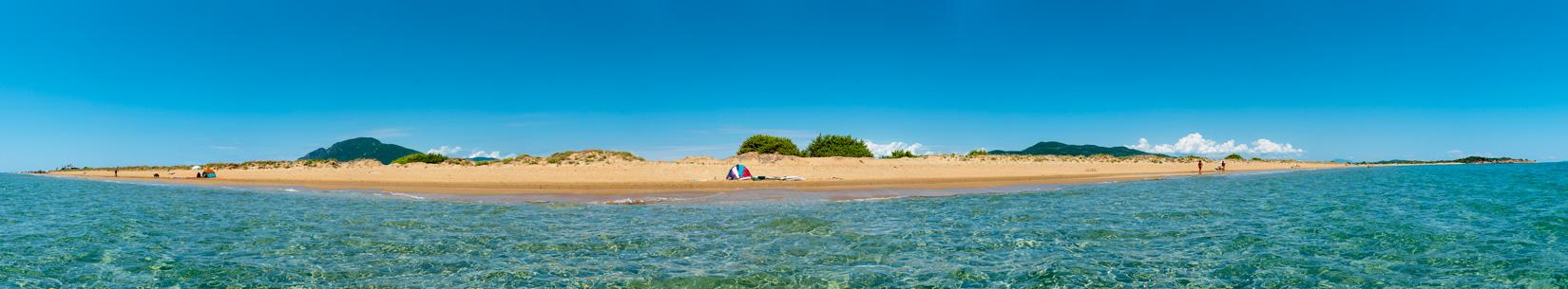 Chalikunas má příjemný, pozvolný vstup do moře