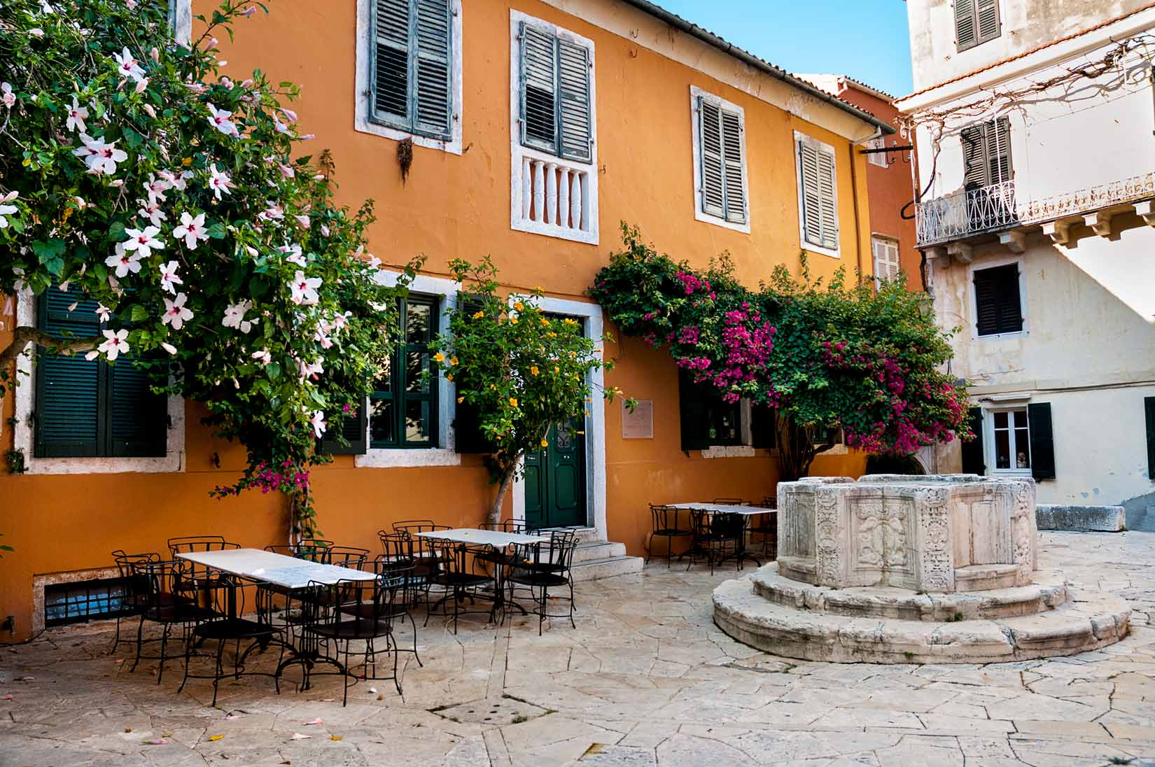 Staré Korfu vás překvapí svojí malebností na každém rohu