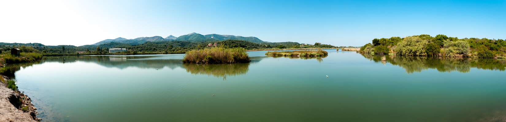"""""""Liliové"""" jezero Antinioti"""