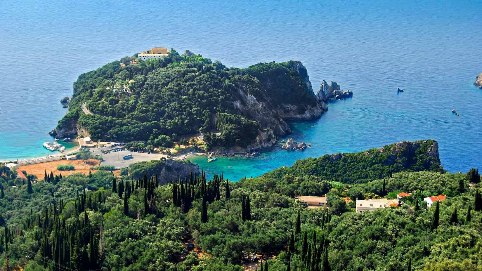 Monastery of Paleokastritsa a přilehlé pláže Agios Petros a Agios Spiridon