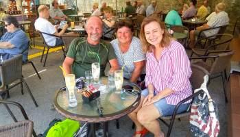 Pavla, Alča a moje maličkost.  Fredo kafe v Agoře