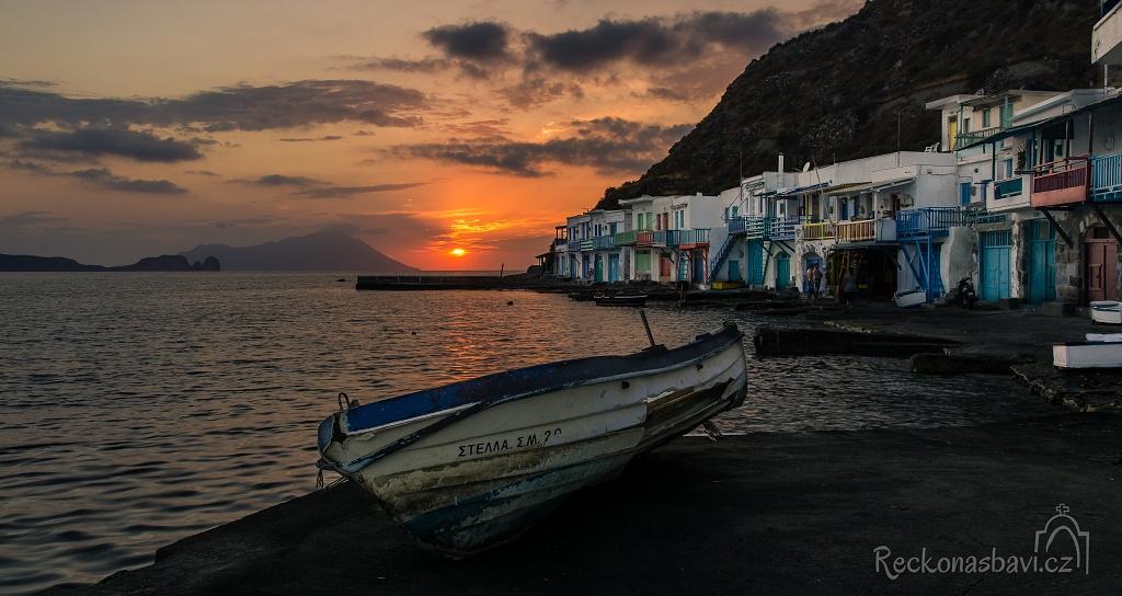 Milos - západ slunce v rybářské vesničce Klima