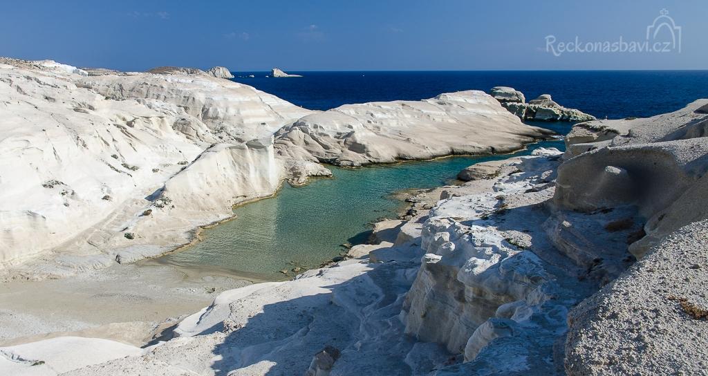 Milos - Sarakiniko beach