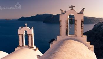 Santorini - kykládské zvonice v Oia (symbol našeho webu ŘNB)