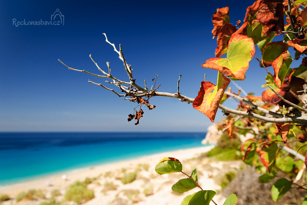 léto se loučí se ctí a předává podzimu vládu