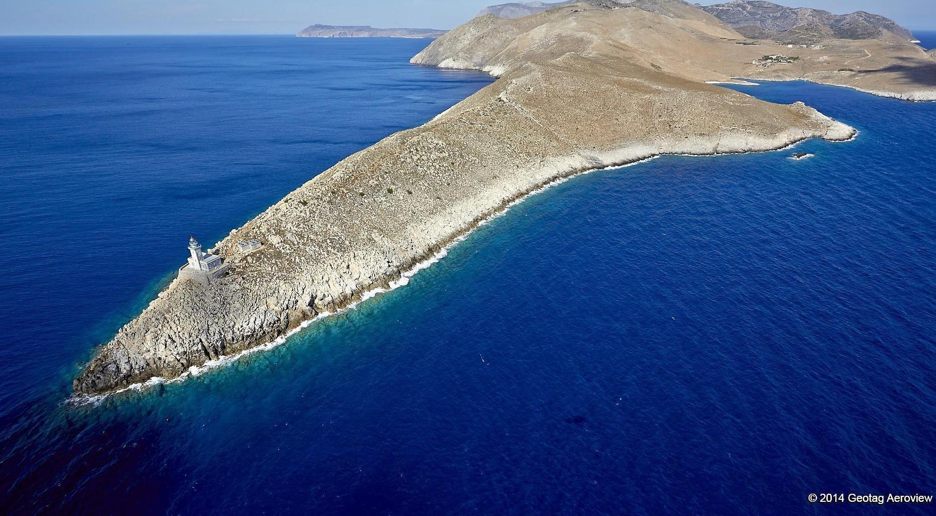 Maják na Cape Of Tenaro je nejjižnějším bodem pevninského Řecka a druhým nejjižnějším bodem Evropy!